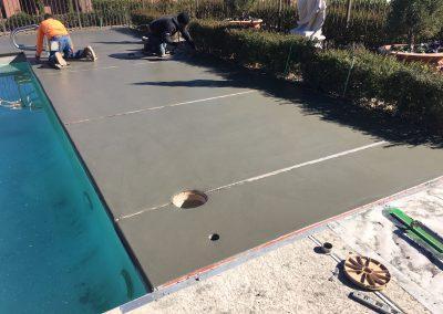 laying pool concrete